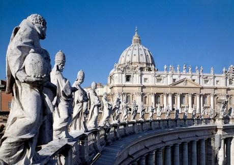 Colonnade met beelden - Gianlorenzo Bernini