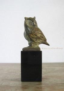 bronzen beeldje uiltje