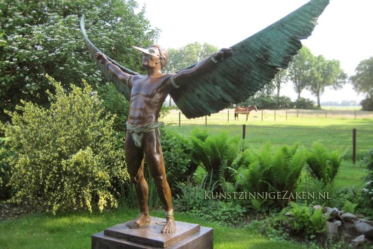 Wings Of Wax tuinbeeld