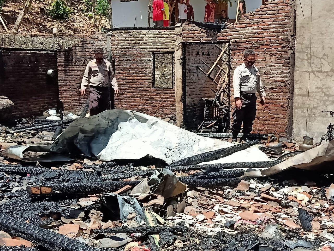 Rumah Yatimah (70) pasca terbakar