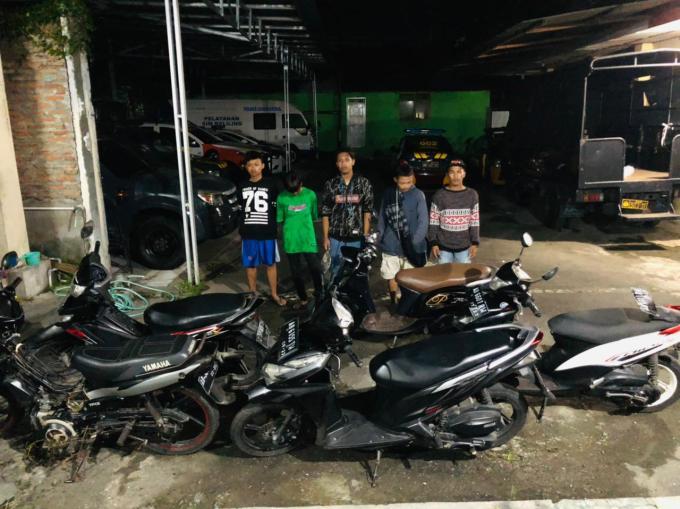 Lima pemuda yang sempat diamankan Polisi