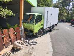 Diduga Kurang Hati – hati, Mobil Box Tabrak Pemotor Hingga Meninggal Dunia