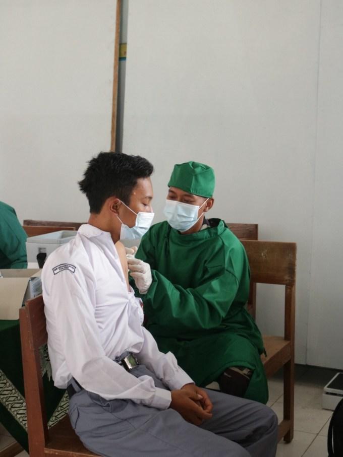 Pelaksanaan Program Vaksinasi COVID 19 Di SMK Muhammadiyah Ponjong