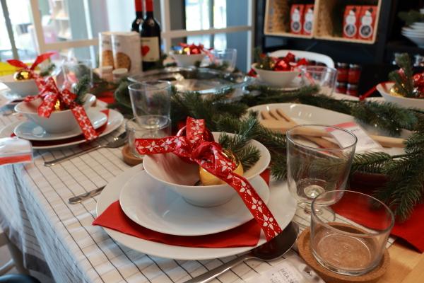 クリスマス テーブルコーディネート ikea