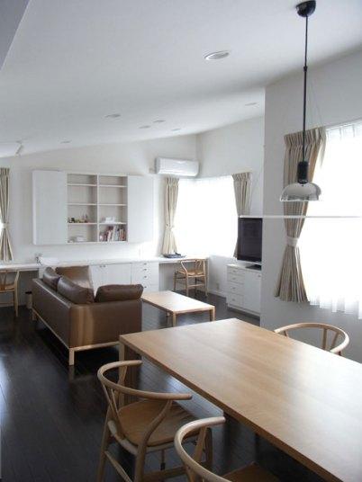 2階 居間食堂