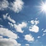 残暑の空と雲