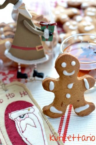 ricetta,ricette,biscotti,natale,omini pandizenzero,gingerbread,zenzero,cannella,spezie,regalo,dolcetti,miele,muscovado