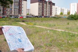 Jeszcze niezwrócona prawowitym właścicielom ziemia już jest na celowniku biznesmenów  i prawników Fot. Marian Paluszkiewicz