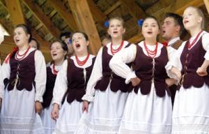 Wileńskie dziewczyny podbiły serca puszczańskich Kurpiów Fot. Sylwester Marchewka