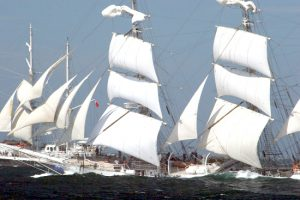 """Regaty """"The Tall Ships' Races Baltic 2009""""  wystartowały w Gdyni (Polska), odwiedziły Sankt Petersburg (Rosja), Turku (Finlandia) i finiszują właśnie  31 lipca w Kłajpedzie"""