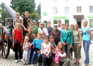 Zwiedzić Polskę miało możliwość 17 dzieci i 2 opiekunów Fot. archiwum ASRW