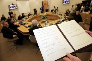 Podpisane w środę Porozumienie Narodowe jego krytycy nazywają nieporozumieniem Fot. ELTA