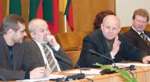 """Uczestniczący na wspólnym posiedzeniu sejmowych komitetów prezes """"Vilniji"""" Kazimieras Garšva uważa, że szkoły na Wileńszczyźnie nie powinny w ogóle podlegać lokalnym samorządom zdominowanym przez polską mniejszość Fot. Marian Paluszkiewicz"""