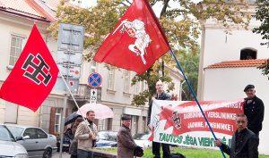 Pozytywną opinię o Litwie najczęściej na świecie psują informacje o szerzącym się tu neofaszyzmie, nieprzestrzeganiu praw człowieka oraz skandalach politycznych