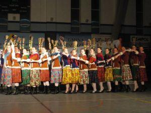 """Turniej """"Taniec narodowy w formie towarzyskiej"""" to nowa forma tańca na Wileńszczyźnie, w Polsce propagowana już ponad 10 lat. Fot. Marian Paluszkiewicz"""