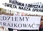 """Polaków litewskich nie przekonuje """"kompromis"""" w sprawie Ustawy o Oświacie, więc zapowiadają kontynuację protestów zapoczątkowanych 2 września wielotysięcznym wiecem i strajkiem szkół Fot. Marian Paluszkiewicz"""