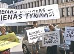 Organizatorzy pikiety dążą do pozostawienia legalnym jedynego, indywidualnego badania krwi Fot. Marian Paluszkiewicz