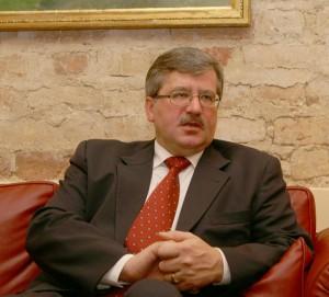 Zdaniem prezydenta Komorowskiego, Polska musi mieć swój element obrony   Fot. Marian Paluszkiewicz