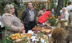 Każde starostwo rejonu solecznickiego miało atrakcyjne stoisko Fot. Marian Paluszkiewicz