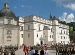 Wciąż odbudowywany Pałac Władców, po zainwestowaniu w niego kolejnych milionów, stanie się reprezentacyjnym miejscem spotkań w ramach litewskiej prezydencji w Radzie Unii Europejskiej Fot. Marian Paluszkiewicz