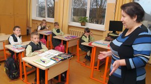 Klasa I w krainie liczb z Haliną Podworską     Fot. Marian Paluszkiewicz