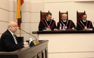 Przewodniczący GKW Zenonas Vaigauskas nie miał wątpliwości, że przed Sądem Konstytucyjnym uda się mu obronić decyzję Komisji Fot. ELTA