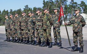 Trzymiesięczne szkolenia wojskowe szansą dla studentów    Fot. Marian Paluszkiewicz