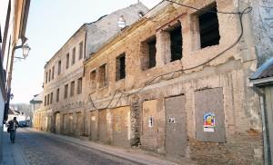 Po wojnie zakonnice z sum posagowych wzniosły klasztor murowany nad Wilenką przy ulicy Młynowej Fot. Marian Paluszkiewicz