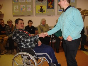 Wolontariusze - ludzie dobrej woli, którzy poświęcają swój czas i energię pomagając innym.
