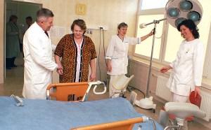 Śmiertelność dzieci, które rodzą się w warunkach szpitalnych, jest 2-3 razy mniejsza Fot. Marian Paluszkiewicz