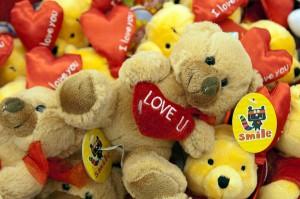 Sklepy w Walentynki zarabiają kasę na sprzedaży świątecznych atrybutów  Fot. Marian Paluszkiewicz