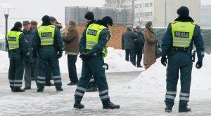 W ciągu kilku lat więcej osób rezygnuje z pracy w policji niż ją podejmuje  Fot. Marian Paluszkiewicz