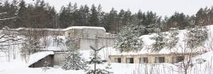 Szaniec łącznościowców — onegdaj jeden z najważniejszych obiektów wojskowych na Litwie, a dziś wysypisko śmieci dla okolicznych mieszkańców i miejsce zabawy dla miłośników paintballu Fot. Marian Paluszkiewicz