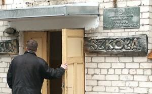 Z powodu malejącej liczby uczniów na Litwie zamknięto prawie połowę polskich szkół, zamknięcie z tych samych powodów każdej litewskiej szkoły w Polsce jest negatywnie odbierane<br/>Fot. Marian Paluszkiewicz
