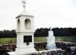 Pomnik i kaplica w Ławżach — jedno z nielicznych miejsc pamięci walk i śmierci powojennej polskiej konspiracjiFot. archiwum