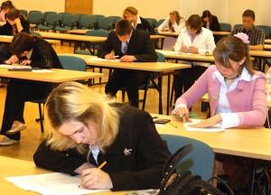 W niektórych szkołach wyższych w rekrutacji na wybrane kierunki obowiązuje znajomość języków obcych, która może być weryfikowana na podstawie egzaminów z języka obcego Fot. Marian Paluszkiewicz