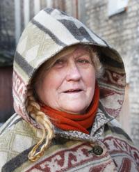 Teresa Jakimowicz z Zarzecza zna prawie wszystkich starych mieszkańców dzielnicy, bo jak mówi, pozostało ich już nie wielu Fot. Marian Paluszkiewicz