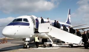 Zakup rządowego samolotu to wydatek około 150 mln Lt, w zależności, czy będzie to transatlantycki Falcon, czy maszyna o kontynentalnym zasięgu typu Embraer 170 (na zdjęciu) Fot. Marian Paluszkiewicz