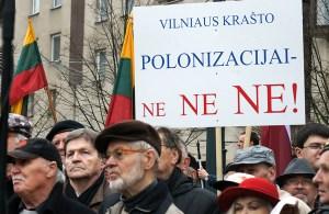 Na transparentach dominowały hasła przeciwko działalności AWPL   Fot. Marian Paluszkiewicz