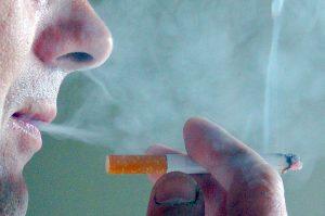 Unia Europejska już od wielu lat walczy z palaczami Fot. Marian Paluszkiewicz