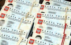 Do marca 2013 roku Kartę Polaka na Litwie otrzymało ponad 5 tys. osób  Fot. Marian Paluszkiewicz