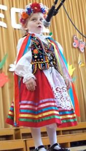 4-letnia Agnieszka Potejko już święci swój triumf na scenie Fot. Marian Paluszkiewicz
