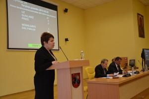 Lucyna Kotłowska, dyrektor administracji samorządu, przedstawiła program wspólnot lokalnych na lata 2013-2015
