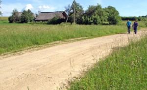 Białozorowszczyzna to dziś niemal pusta wieś, aczkolwiek potomkowie jej mieszkańców wciąż wracają do swojej ojcowizny i niestety, muszą ją bronić przed przybyszami Fot. Marian Paluszkiewicz