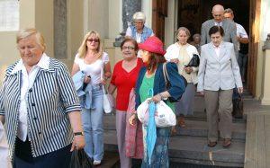 Ludzie wychodzili pełni wrażeń i wzruszenia Fot. Marian Paluszkiewicz