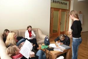 Nieliczni zostają na studia w rodzinnym kraju          Fot. Marian Paluszkiewicz