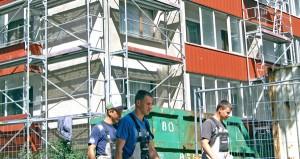 Renowacja jest najważniejszą przyczyną, dlaczego mieszkańcy tych bloków płacą mniej Fot. Marian Paluszkiewicz