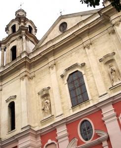 Kościół od zewnątrz Fot Marian Paluszkiewicz