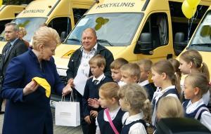 W uroczystości przekazania autobusów wzięła udział prezydent Dalia Grybauskaitė Fot. Marian Paluszkiewicz