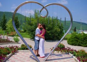 """Rzeźba """"Dla wszystkich zakochanych"""" została wykonana na wzór rysunku, odnalezionego na ścianie domu Julii w Weronie Fot. Brygita Łapszewicz"""